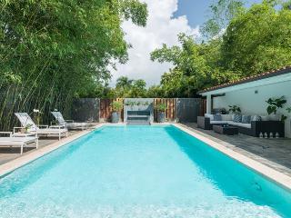 Superb 4 bedroom luxury villa for Golf Lovers - Altos Dechavon vacation rentals