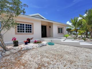 A new family villa rental for the budget-minded, with lots of privacy and comfort. - Grace Bay vacation rentals