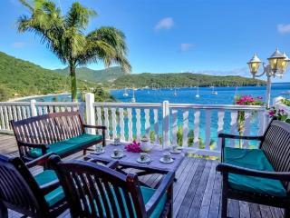 Villa Ifrevana - 6 chambres les pieds dans l'eau - Les Anses d'Arlet vacation rentals