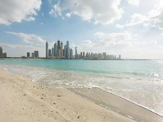 2 BD with private beach, Palm Jumeirah Fairmont! - Dubai vacation rentals