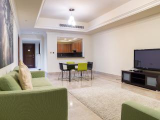1 BD in Fairmont Residence up to 4 persons, beach! - Dubai vacation rentals