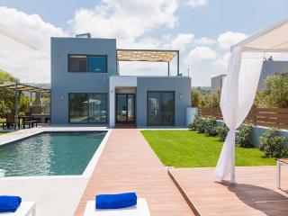 Cozy 3 bedroom Skouloufia Villa with Television - Skouloufia vacation rentals