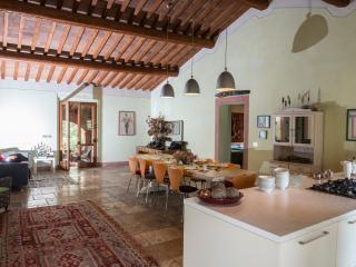 Podere Rosignano B 'n B cosy and bright - Radicondoli vacation rentals