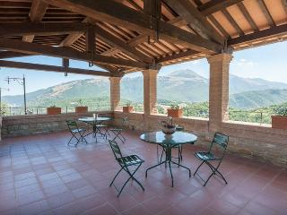 Beautiful 2 bedroom Apartment in Cantiano - Cantiano vacation rentals