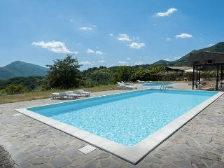 Beautiful 1 bedroom Apartment in Cantiano - Cantiano vacation rentals