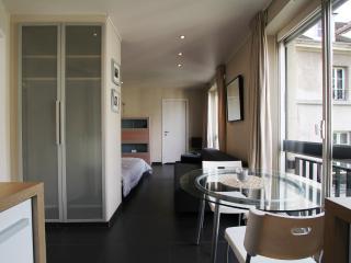 Beautiful large studio heart of the Marais Paris - Paris vacation rentals