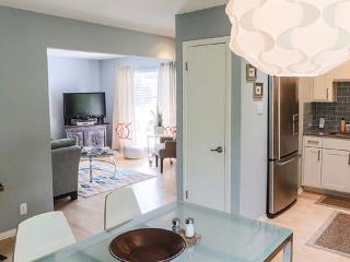 3/2 Lovely, Cozy, Downtown Austin Remodel! - Austin vacation rentals
