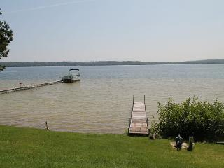 Memo's Treasure on Lake Leelanau - Cedar vacation rentals