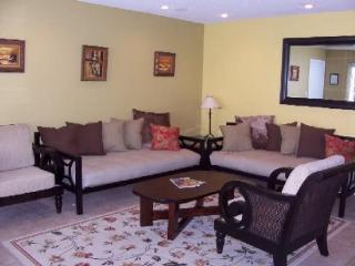 (#22) Huntington St. Lg 2bdr 2bath w/ Jacuzzi - Huntington Beach vacation rentals