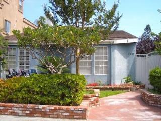 (#5) Next to Main Street, Beach, w/ Jacuzzi - Huntington Beach vacation rentals