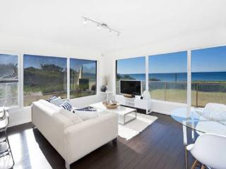 Bright Condo with Satellite Or Cable TV and Parking - Narrabeen vacation rentals