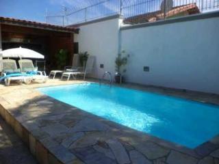 Belíssima casa com piscina  em Caraguatatuba - Caraguatatuba vacation rentals