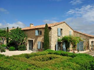 Beautiful House with DVD Player and Private Outdoor Pool - Saignon vacation rentals