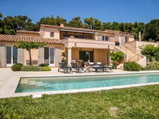 3 bedroom House with Private Outdoor Pool in Cogolin - Cogolin vacation rentals