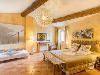 Le Mas Angelique, Pet-Friendly Rental with a Fireplace and Pool - Eygalieres vacation rentals