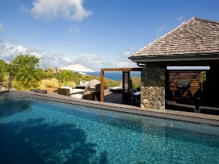 Contemporary Colonial-style Estate with incredible privacy and living spaces. - Lurin vacation rentals