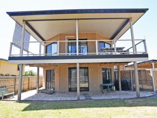 Bright 4 bedroom House in Inverloch - Inverloch vacation rentals