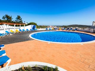3 Bed Townhouse - Parque da Floresta - Shared Pool - Budens vacation rentals