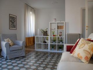 easyhomes Buonarroti Ravizza - 1 bedroom, for 4 pp - Milan vacation rentals