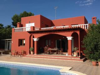 Finca del poeta, cozy country house at Km4 from Ibiza to San Jose - Es Vive vacation rentals