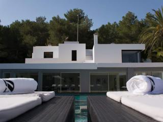 Bright 8 bedroom Villa in Ibiza - Ibiza vacation rentals