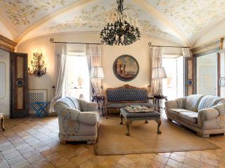 Nice 4 bedroom Condo in Capri - Capri vacation rentals