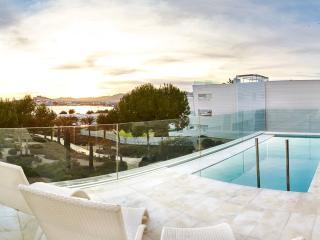 Nice 4 bedroom House in Talamanca - Talamanca vacation rentals