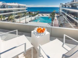 Perfect 4 bedroom Condo in Playa d'en Bossa - Playa d'en Bossa vacation rentals