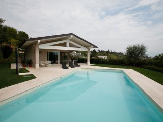 Amazing new villa private swimming pool, lake view - Padenghe sul Garda vacation rentals