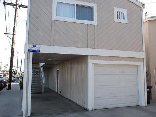 Great Upper Duplex, 1 Block From the Beach! (68203) - Newport Beach vacation rentals