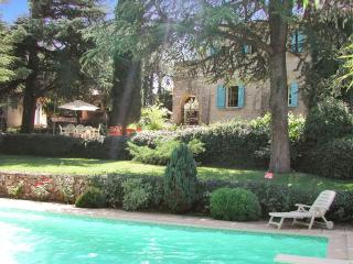 Gorgeous villa with pool and garden - Saint-Maximin-la-Sainte-Baume vacation rentals