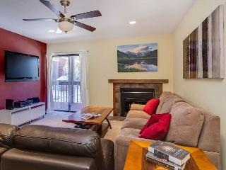 MT267D Inviting Condo with Fireplace, Clubhouse, Wifi, and Covered Parking - Frisco vacation rentals