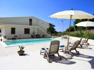 Villa Ciuridda with pool wifi bbq garden privacy - Sampieri vacation rentals