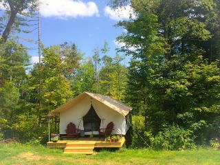 GLAMP BERNICE OF PRETTY ADIRONDACK FARM - North River vacation rentals