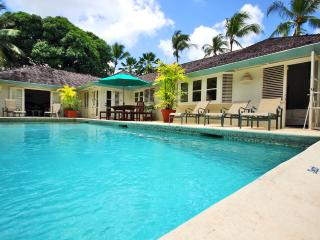 Short Stroll To Beach, Great for Couples & Families, Cook Prepares 3 Meals/Day, Spacious - Gibbes vacation rentals