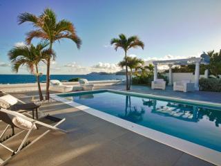 Gorgeous 1 bedroom beachfront villa! - Baie Rouge vacation rentals