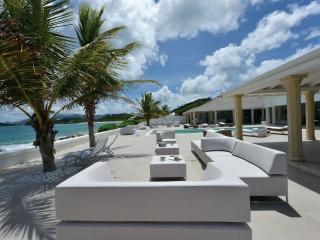 Gorgeous 3 bedroom beachfront villa - Baie Rouge vacation rentals