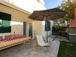 3 BeDRooM, GaRDeN, PRiVaTe PaRKiNG! - Zadar vacation rentals