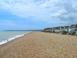'Oyster Bungalow' Rental, Pevensey Bay, Eastbourne - Pevensey vacation rentals