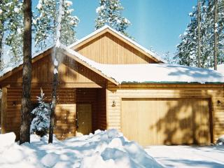 LOG CABIN, PINETOP CCLUB,1800 SQFT,CLOSE TO SKIING - Pinetop vacation rentals