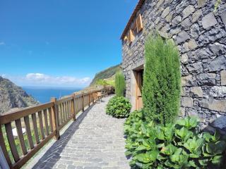 Casa de Campo - Traditonal Stone Cottage - Porto Moniz vacation rentals