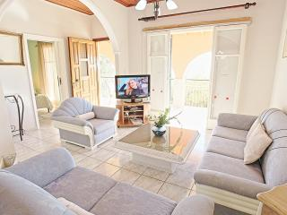 Gorgeous 3 bedroom Villa in Nissaki - Nissaki vacation rentals