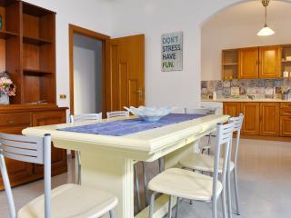 Cozy 2 bedroom Apartment in Santa Maria di Castellabate with A/C - Santa Maria di Castellabate vacation rentals