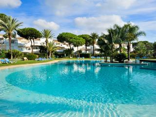 El Presidente YOLANDA: Heated Pool + wifi + Sat-tv - Estepona vacation rentals