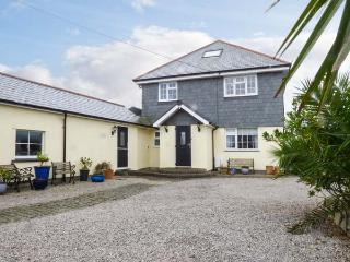 CHY AN HUDER, luxury holiday home, woodburner, en-suites, WiFi, games room, garden, Mullion, Ref 931238 - Mullion vacation rentals