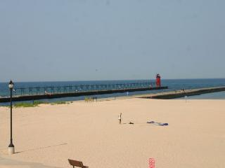 22 Lakeshore - Best View in South Haven - South Haven vacation rentals
