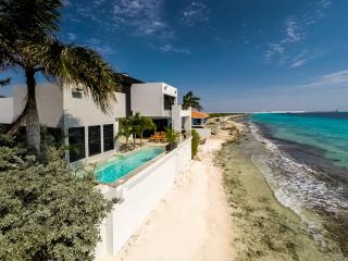 Casa Esmeralda ***Exclusive Oceanfront Luxury!!*** - Kralendijk vacation rentals