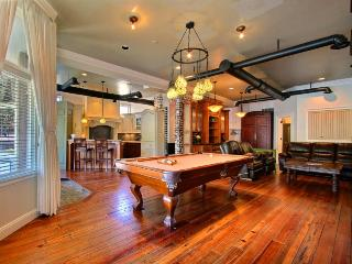 One of the most unique homes in Savannah Georgia. Sleeps 2-16 with plenty of activities for all of your friends and famiily. - Savannah vacation rentals