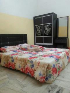 Cozy 3 bedroom House in Alor Gajah with Parking - Alor Gajah vacation rentals