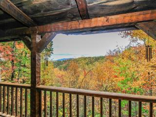 Smoky's Mountain View Cabin - Gatlinburg vacation rentals